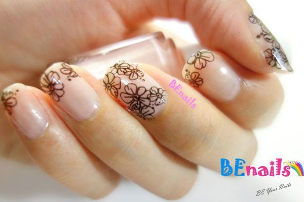 BEnails指甲彩繪轉印鋼板(SC008_花語)美甲DIY教學範例_朵朵小花點綴典雅的美甲造型